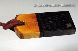 заколка из дерева