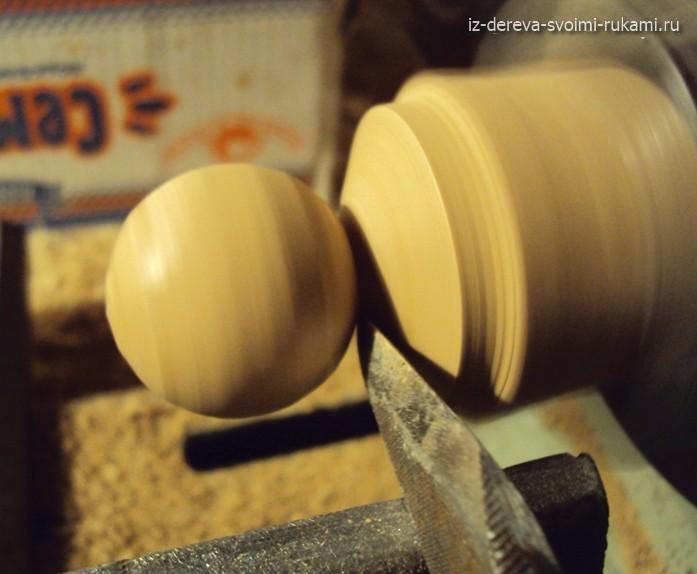 работа на токарном станке,делаем деревянную ручку