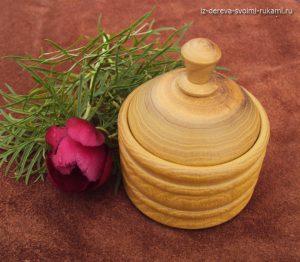изготовление шкатулки,солонки из дерева на токарном станке