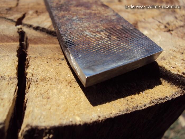 Прямой плоский резец для токарного станка по дереву