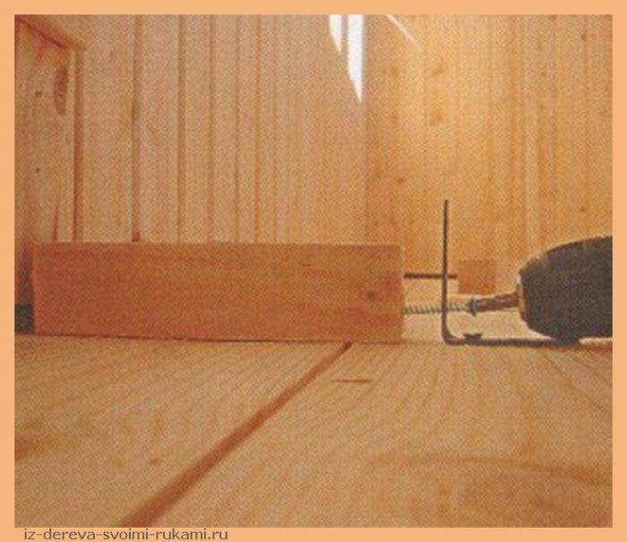 011 300x257 - Из дерева своими руками! Интересные деревянные поделки, мебель, мастер-классы по дереву - Обустройство балкона своими руками. Настилка деревянного пола