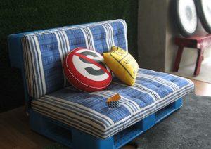 уютный диван из поддонов своими руками