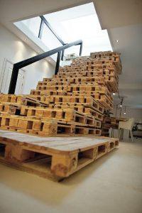 лестница из деревянных поддонов своими руками