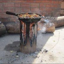 Как развести костер на бревне и приготовить еду