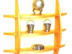 Деревянная настенная полка для сувениров своими руками