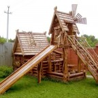 VNvNMcvfCZg - Из дерева своими руками! Интересные деревянные поделки, мебель, мастер-классы по дереву - Детские площадки из дерева для любимых детишек
