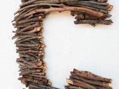 Находка для интерьера – декоративное панно из веточек