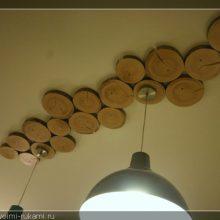Прекрасные идеи для интерьера из спилов дерева! 17 фотографий