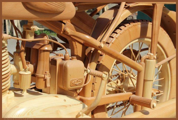 49 00003 700x472 - Из дерева своими руками! Интересные деревянные поделки, мебель, мастер-классы по дереву - Мотоцикл ИЖ-49 из дерева, 40 фотографий и видео