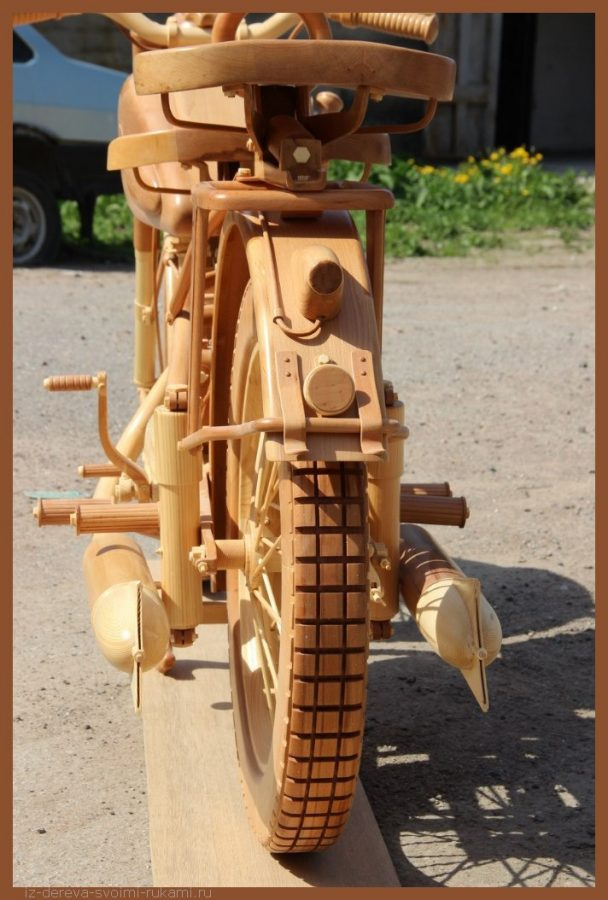 49 00010 - Из дерева своими руками! Интересные деревянные поделки, мебель, мастер-классы по дереву - Мотоцикл ИЖ-49 из дерева, 40 фотографий и видео