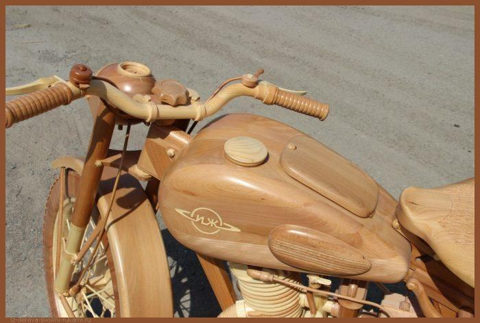 49 00028 - Из дерева своими руками! Интересные деревянные поделки, мебель, мастер-классы по дереву - Мотоцикл ИЖ-49 из дерева, 40 фотографий и видео