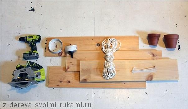 Делаем полку для цветов из дерева, мастер-класс из фотографий  https://iz-dereva-svoimi-rukami.ru