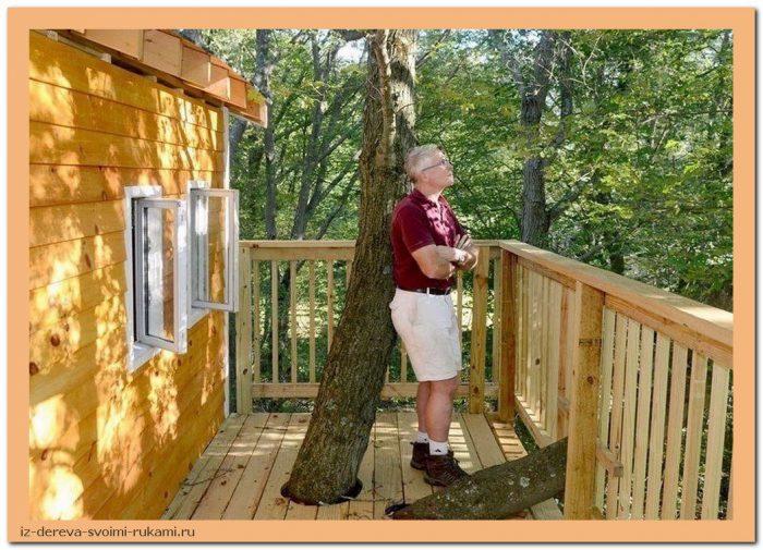PTk2At28fhQ - Из дерева своими руками. Мастер-классы по дереву - Дедушка построил 3-этажный дом на дереве для своих внуков, 5 фото