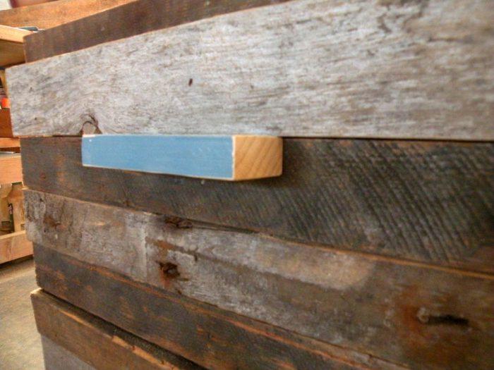 1415733927 sYbvFOib - Из дерева своими руками! Интересные деревянные поделки, мебель, мастер-классы по дереву - Тумбочка из древесных остатков