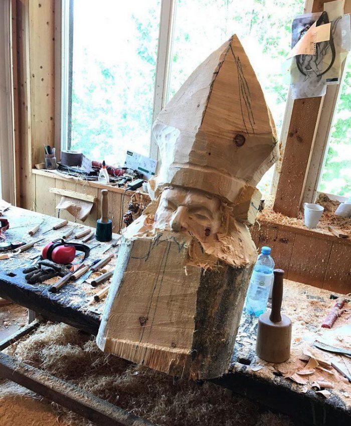 1525883221168435468 - Из дерева своими руками. Мастер-классы по дереву - Бородач из куска бревна
