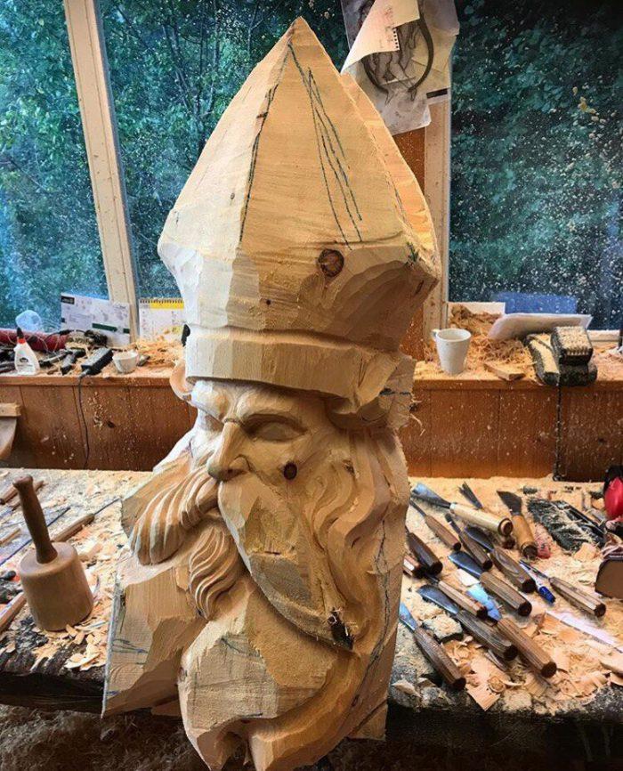 1525883225143594757 - Из дерева своими руками. Мастер-классы по дереву - Бородач из куска бревна