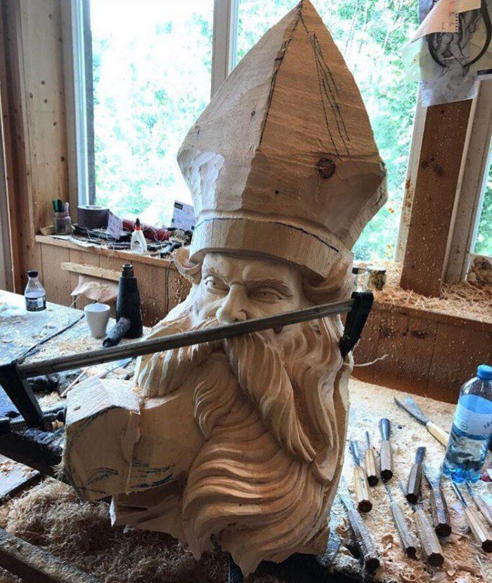 1525883233132843397 - Из дерева своими руками. Мастер-классы по дереву - Бородач из куска бревна