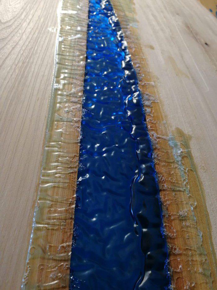 12 700x933 1 - Из дерева своими руками! Интересные деревянные поделки, мебель, мастер-классы по дереву - Дерево и эпоксидная смола. Мастер-класс изготовления стола из слэба и смолы
