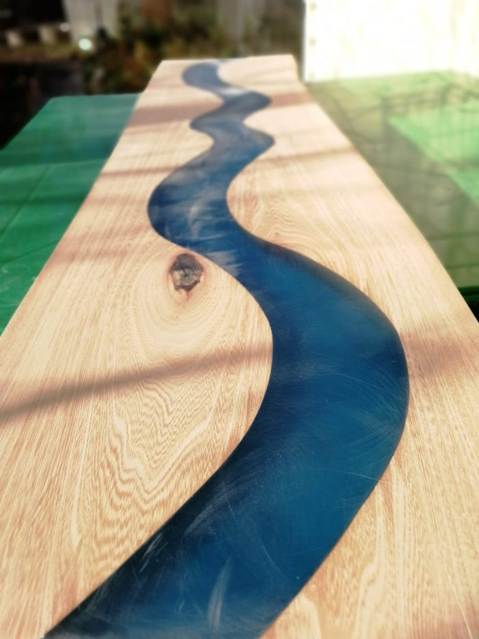 21 700x933 1 - Из дерева своими руками. Мастер-классы по дереву - Дерево и эпоксидная смола. Мастер-класс изготовления стола из слэба и смолы